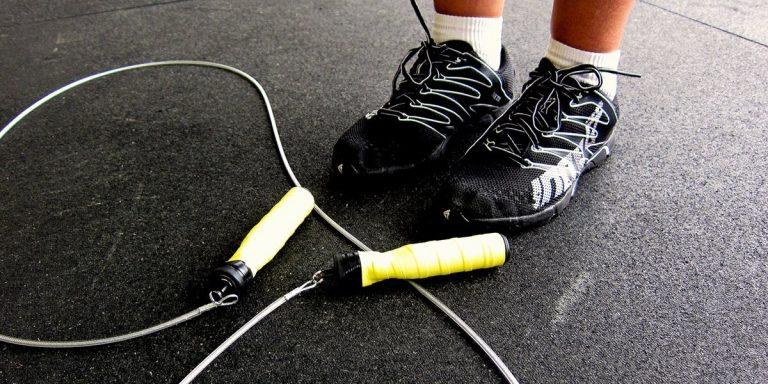 Artrose klachten verminderen door snelle springoefeningen